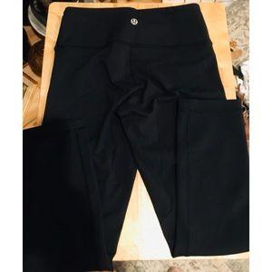 Lulumon Athletica Black Yoga Leggings Pants Size 2